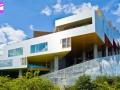 BIG - Living house - Backyard