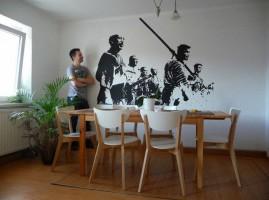 Výsledná scéna z milmu přenesená na zeď pomocí upravené fotografie a rgb projektoru
